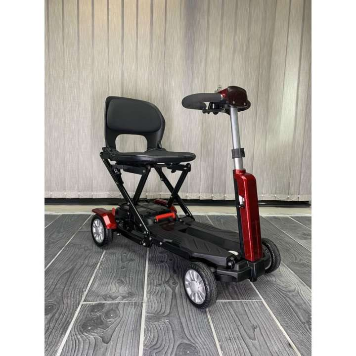 AUTOMATIC FOLDING SCOOTER WITH 4 WHEELS